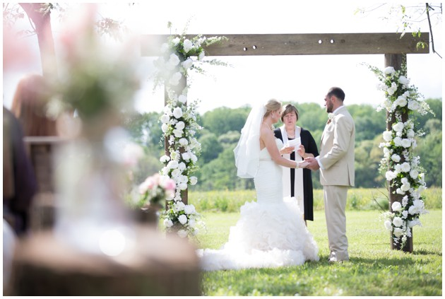 View More: http://artfuliphotography.pass.us/bylerwedding