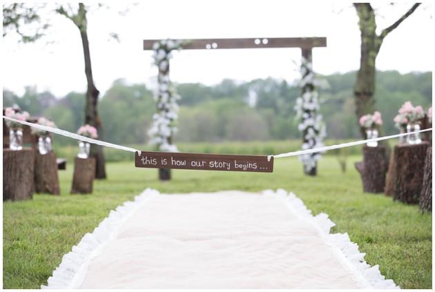 outdoor wedding, flower alter