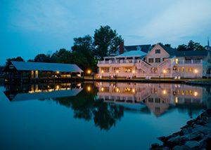 Oaks Waterfront Inn