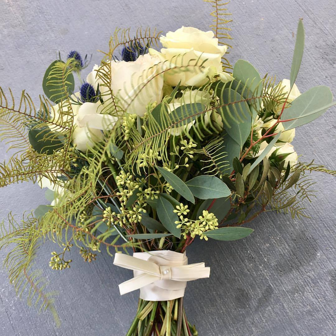large white bouquet created by Chesapeake Blooms