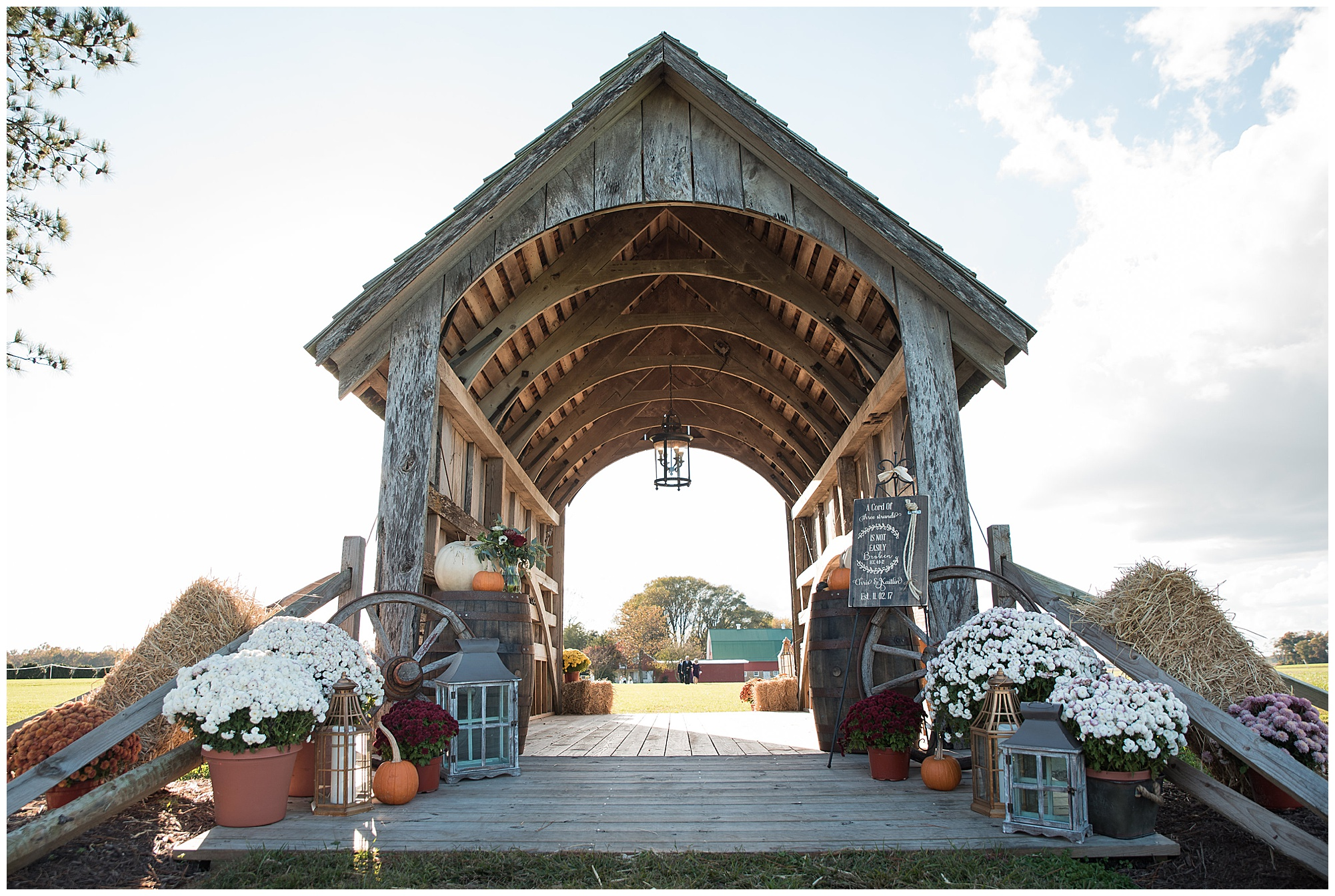 cozy autumn farm wedding at covered bridge inn in lewes delaware | now featured on my eastern shore wedding