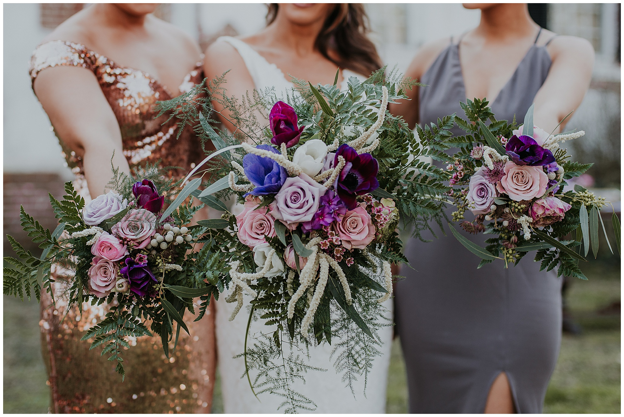 glamorous and boho style wedding theme at chanceford hall bed and breakfast. bride and bridesmaids holding floral bouquets. maryland chanceford hall wedding now featured on my eastern shore wedding.