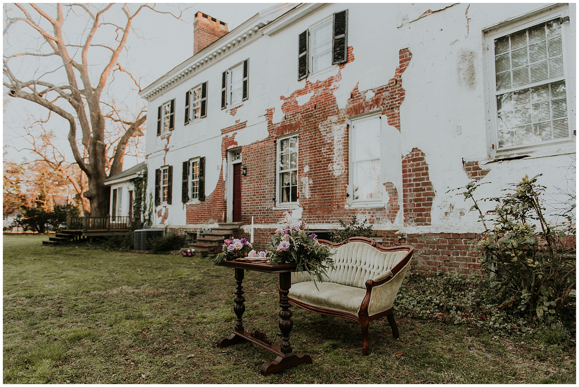 boho glam style inspo at chanceford hall wedding styled photoshoot. featured on my eastern shore wedding. vintage style lounge seating area outdoors at historic maryland venue.