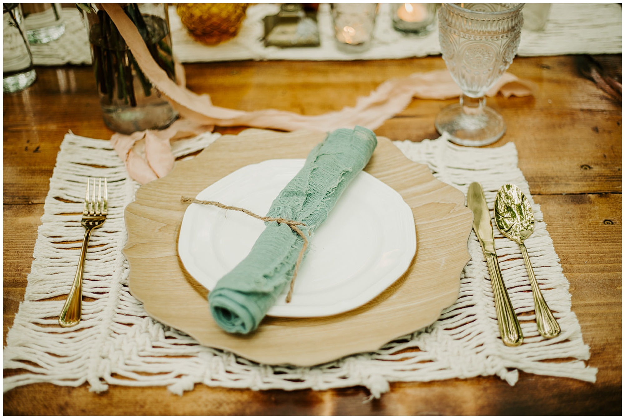 colored vintage glass, teal accents, gold, macrame, natural, eco friendly wedding inspo