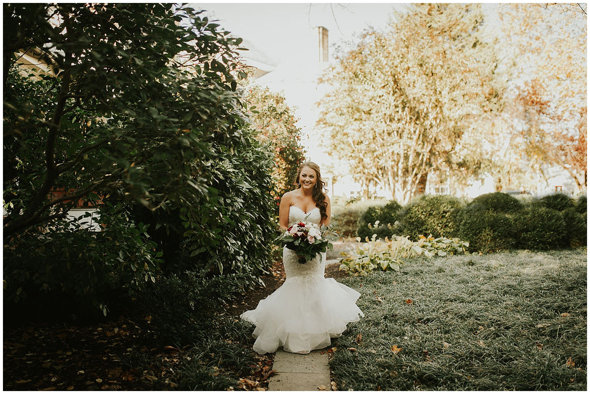 bride wearing mermaid style wedding gown dress outdoors at easton maryland venue on eastern shore. coastal, bay, shore inspired wedding ideas from my eastern shore wedding.