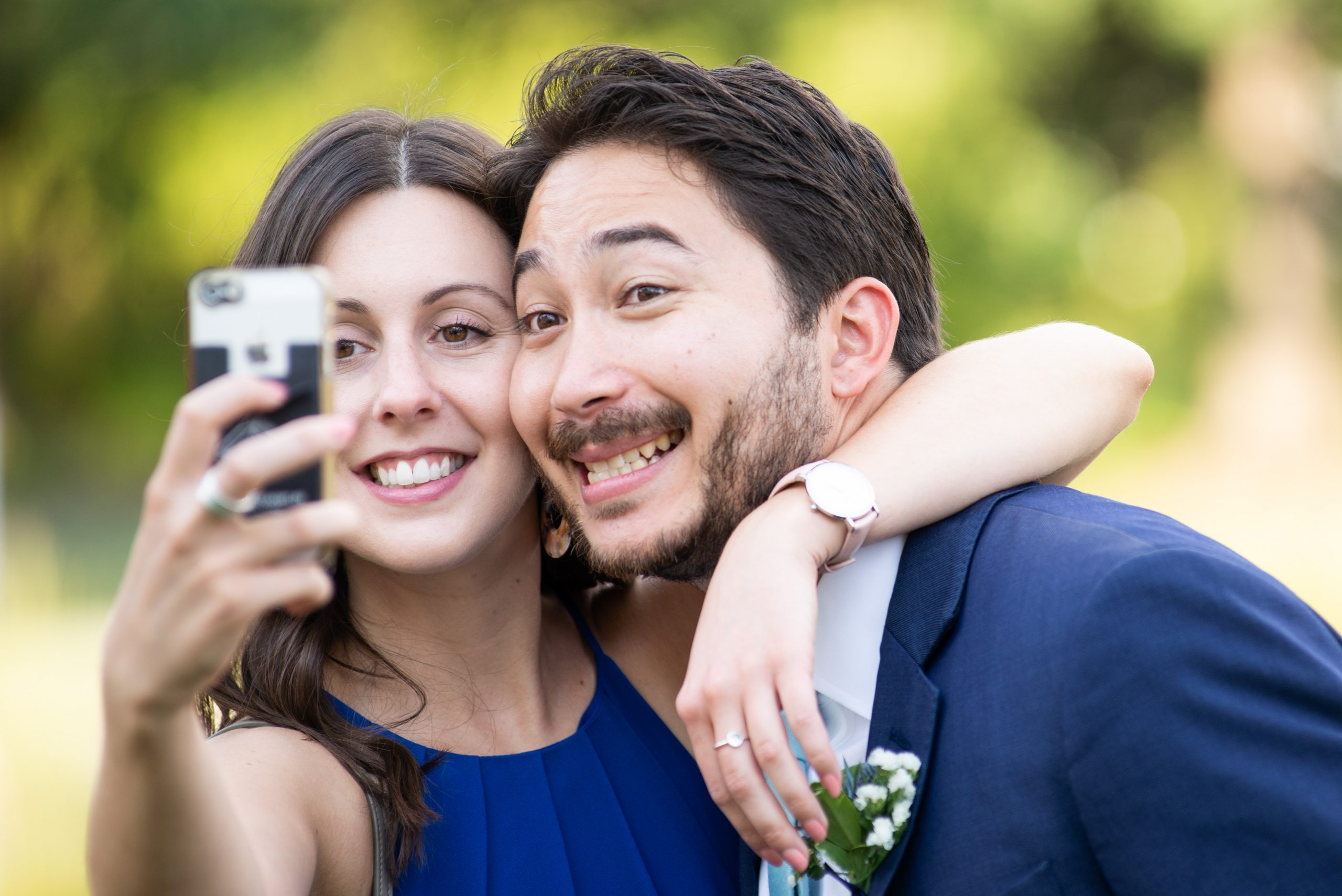 Couple taking a selfie | My Eastern Shore Wedding