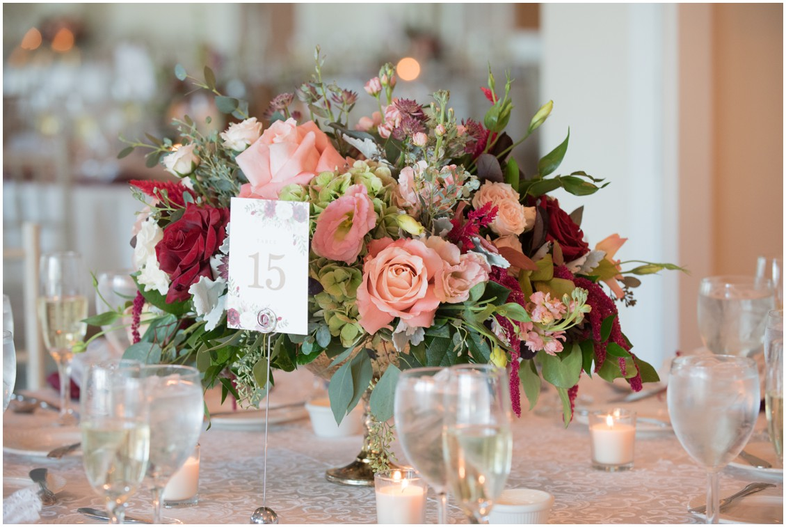 Fall colors table arrangement | My Eastern Shore Wedding | The Oaks Waterfront Inn | Monteray Farms