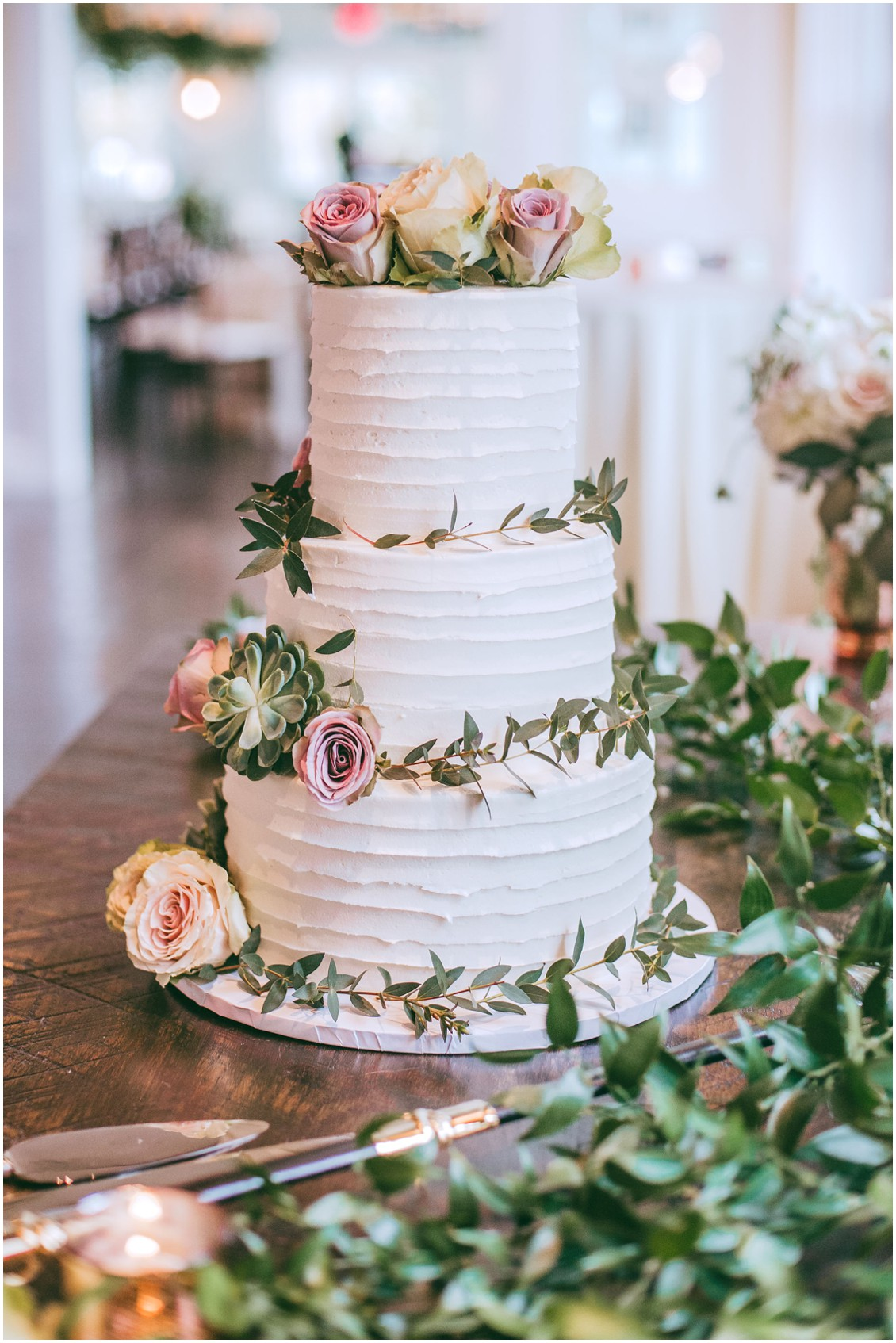 Cake with dusty pink and white roses and greenery | My Eastern Shore Wedding | Chesapeake Bay Beach Club