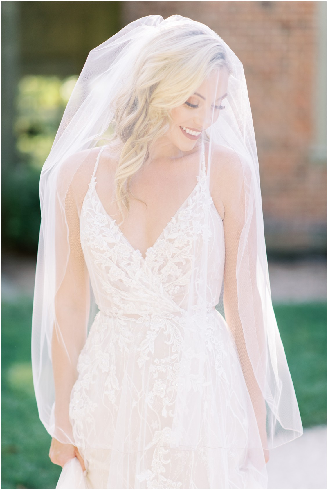 Bridal portrain in lace dress with veil | My Eastern Shore Wedding | Hannah Belle Events | Eastern Shore Tents and Events