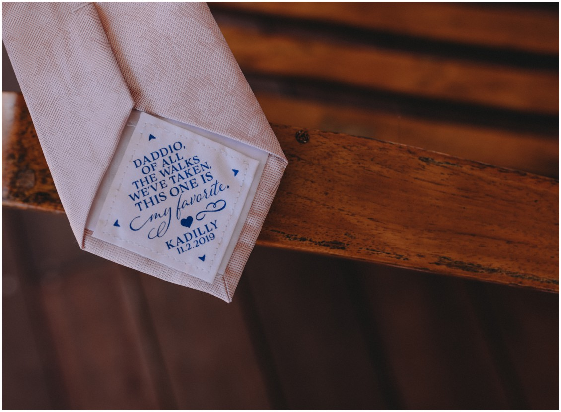 Bridal details, note to dad on tie | My Eastern Shore Wedding | Sherwood Florist