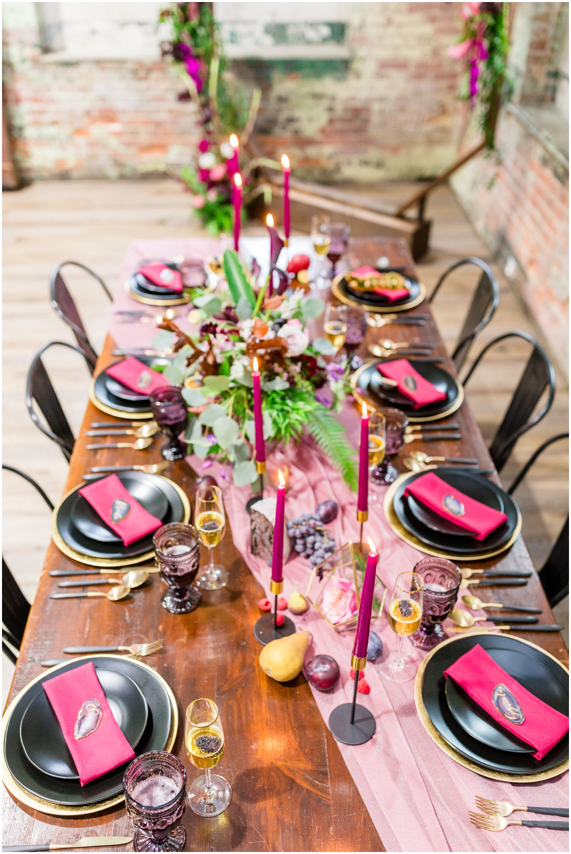 Past meets present modern tablescape | My Eastern Shore Wedding | Cassidy Mister Photography