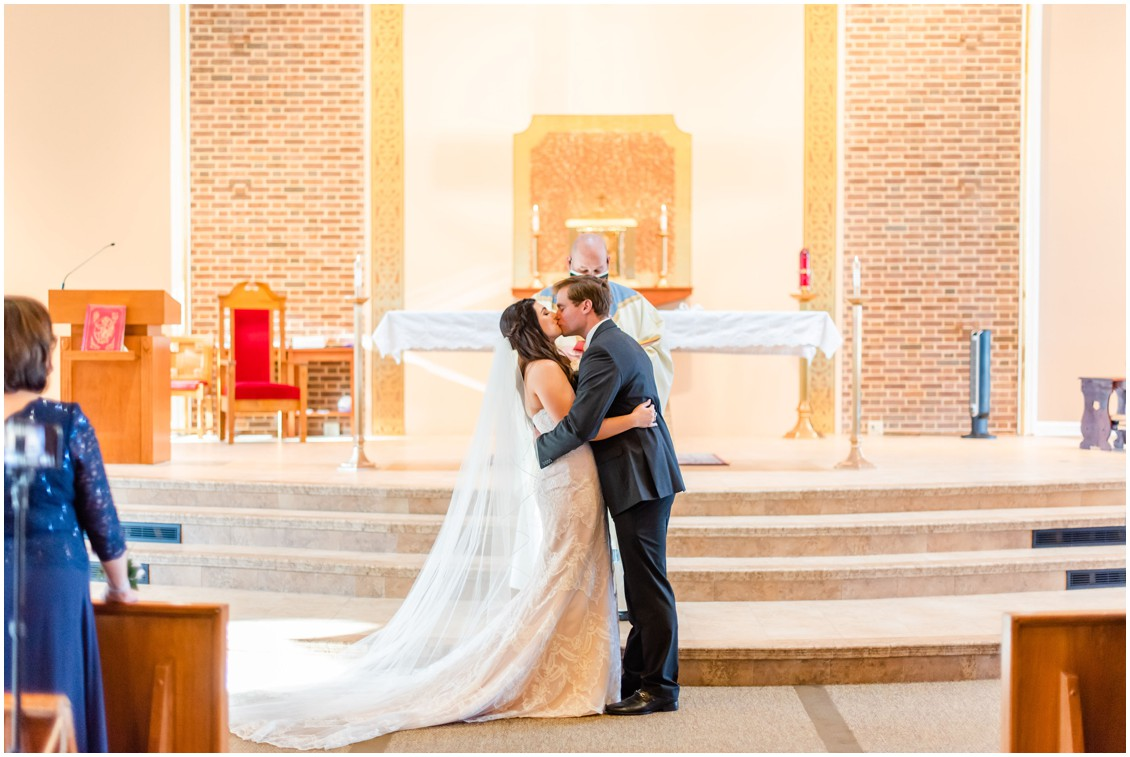 First kiss in church microwedding | Love will find a way| My Eastern Shore Wedding | Alexandra Kent Photography