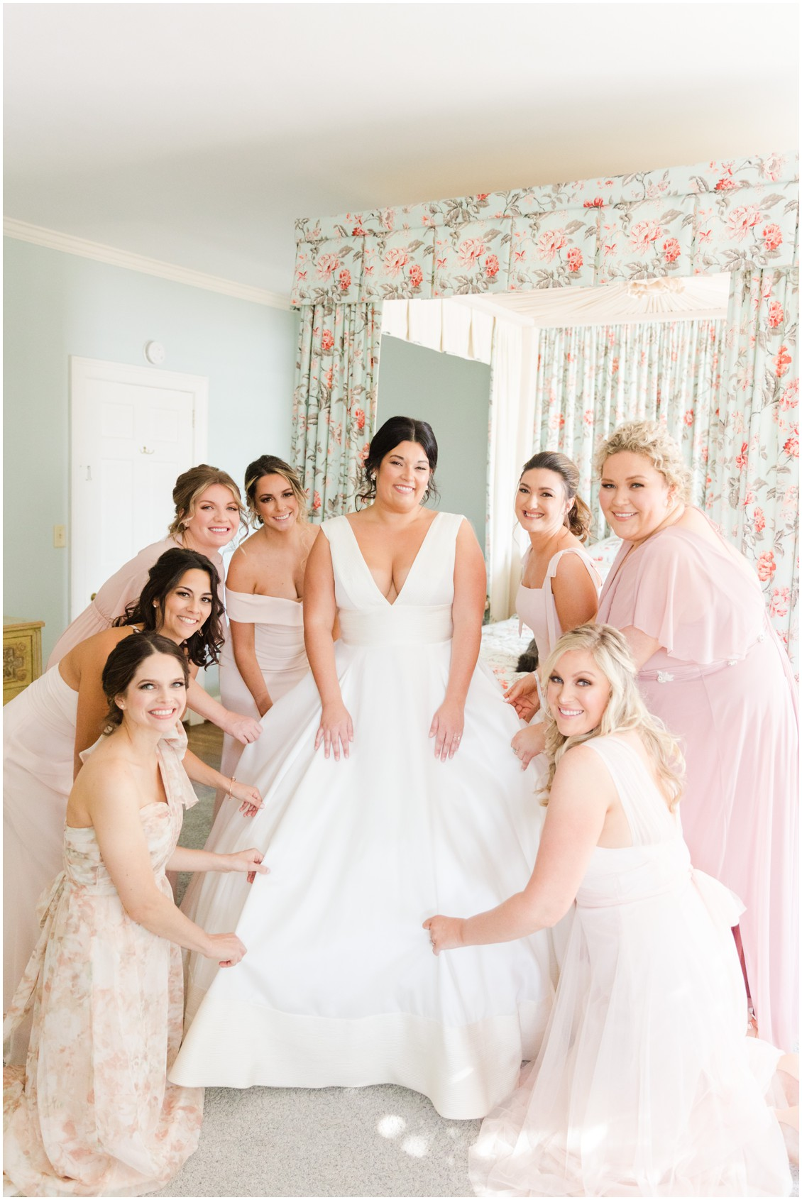 Bridesmaids and bride glam winter wedding | My Eastern Shore Wedding | Sherwood Florist