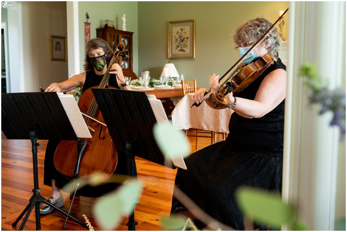 Shore Strings playing at elegant and intimate at-home wedding | My Eastern Shore Wedding | Melissa Grimes-Guy Photography