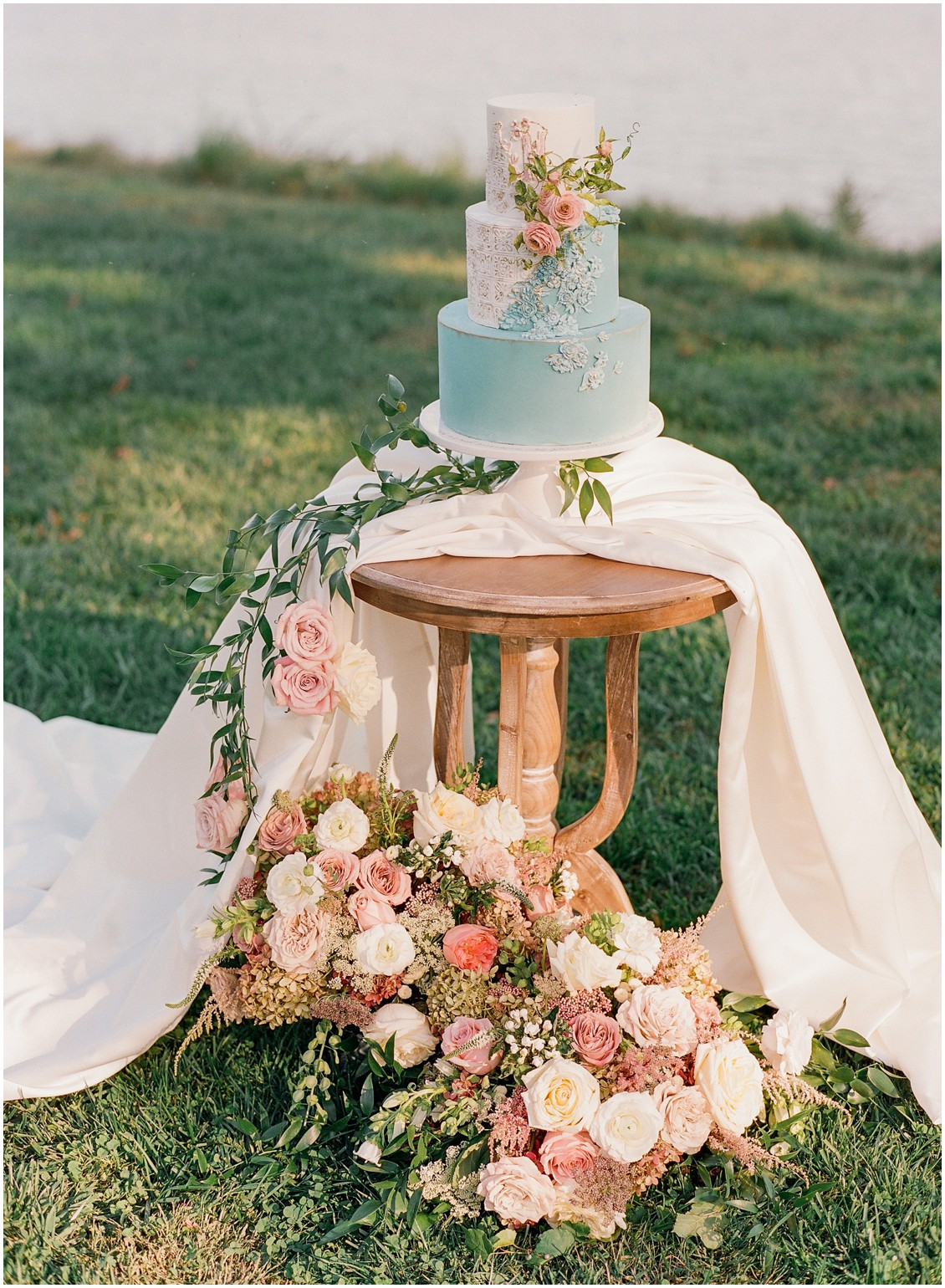 Dazzling and daydreaming styled wedding shoot soft romantic color palette wedding details | My Eastern Shore Wedding