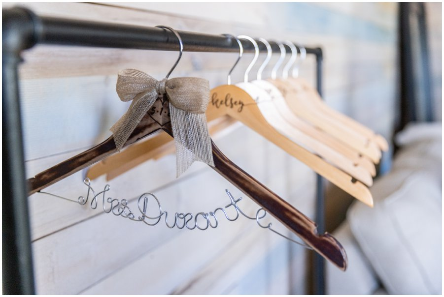 Personalized coat hanger for the most important dress!